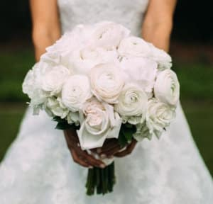 White bouquet of roses and ranunculus