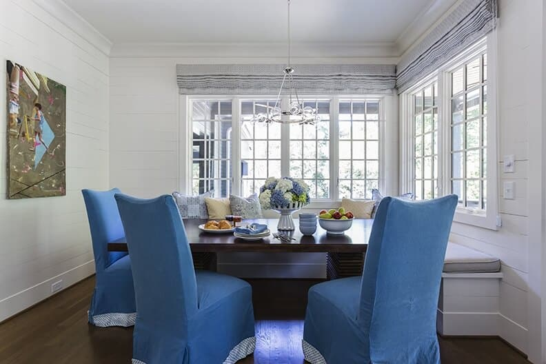 Breakfast nook with blue and white hydrangeas